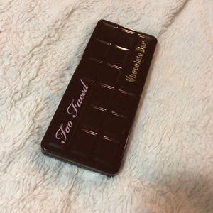 Chocolate bar Too faced palette